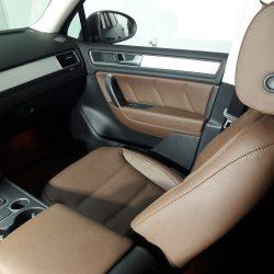 Перетяжка тканевых сидений в натуральную Итальянскую кожу VW Touareg